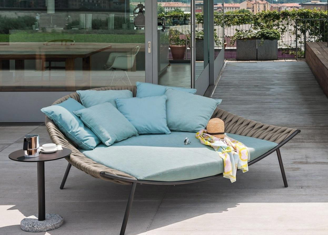 Outdoor rattan sofa round bed HS-D2004